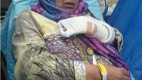 İslam Düşmanı Siyonist İsrail Güçleri Filistinli Yaşlı Kadının Kolunu Kırdı