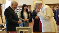 Papa'dan Mahmud Abbas'a: Sen bir barış meleğisin(!)