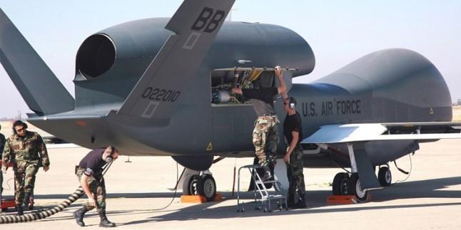 İran, Büyük Şeytan ABD'ye Ait Global Hawk Tipi İHA'yı Fars Körfezinde Düşürdü