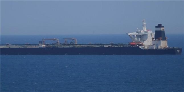 İran'ın petrol tankeri Suriye'ye gitmiyordu