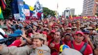 Nicolas Maduro yanlısı binlerce kişi, başkent Karakas'ta ABD yaptırımlarına karşı protesto gösterisi düzenledi