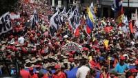 Caracas'ta Maduro'ya destek gösterisi