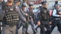 İşgal Güçleri El-İseviyye Beldesinde Filistinli İki Genci Gözaltına Aldı