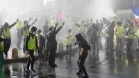 Fransa'da 10 bin yeşil yelekli gözaltına alındı