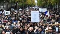 Fransa'da İslamofobiye karşı gösteri yapıldı