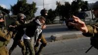 İşgalci İsrail Polisi Kudüs'te Bir Camiyi Kapattı