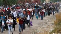 Suriyeli Mültecilerin Ceplerine Para Koyup Ülkelerine Gönderiyorlar