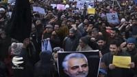 Hindistan'ın Başkenti Yeni Delhi'de ABD karşıtı gösteriler sürüyor