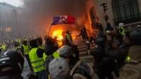 Fransa'da gösteriler sürüyor