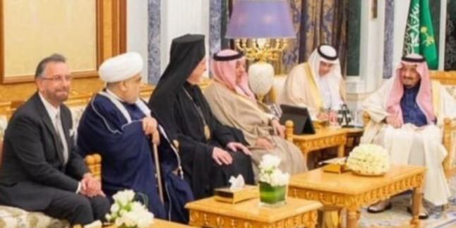 Suudi Arabistan Kralı sarayında İsrailli Hahamı Rosen'i kabul etti