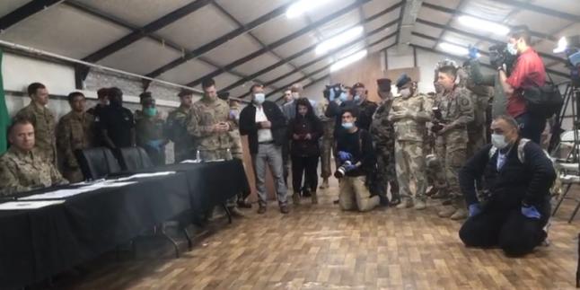 Iraklı Direnişçiler Büyük Şeytan ABD Güçlerini Bir Bir Üslerinden Kovmaya Başladı