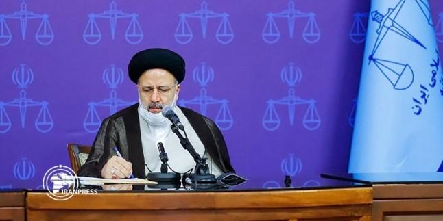 Reisi: ABD'nin İran yolcu uçağına tacizi, tolere edilemez