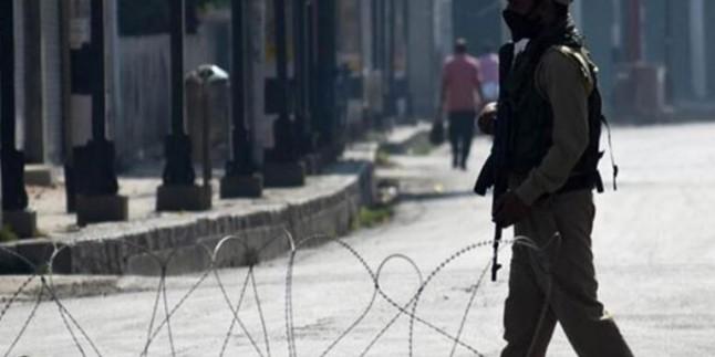 Hindistan Keşmir'de 18 sivili öldürdü