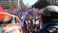 Washington'da muhalif gruplar karşı karşıya geldi