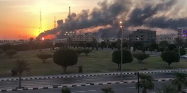 Yemen Hizbullahı Aramco Şirketinin Cidde Şehrindeki Tesislerini Kudüs-2 Tipi Balistik Füzesiyle Vurdu