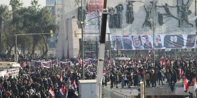 Bağdat'ta ABD'ye karşı geniş kapsamlı protesto gösterisi düzenlendi