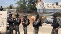 İşgal güçleri Filistinlilere ait 3 tesisi yıktı