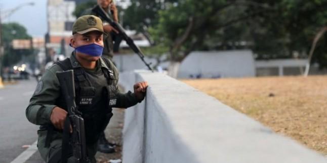 Venezuela Silahlı Kuvvetleri, FARC üyelerine operasyon düzenledi: 8 Asker hayatını kaybetti