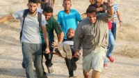 Gazze Şeridinde İki Genç Siyonist İsrail Askerlerinin Ateşiyle Yaralandı