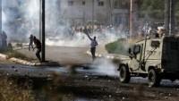 Batı Yaka'da Siyonist askerler ile Filistinliler arasında şiddetli çatışma
