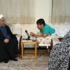 İran Cumhurbaşkanı Ruhani, savaş gazilerinden Hüseyin Azadbaht'ın evine ziyarette bulundu