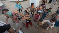 Arabistan Iraklı mültecilere yardımı engelliyor
