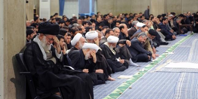 İmam Seyyid Ali Hamaney'in huzurunda, İmam Ali (as) için yas merasimi düzenlendi