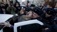 Ruslar yeni anti-terör kanununu protesto etti