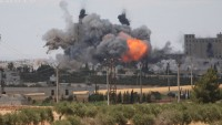 Amerika, Suriye'li mültecileri bombaladı
