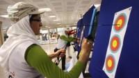 İranlı bayan okçu dünya birincisi