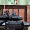 """İran'ın ilk yerli modern tankı """"Kerrar"""" görücüye çıktı"""