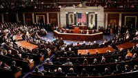 Amerikan senatosu İran yaptırımlarını geri getirmeye çalışıyor