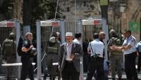 Mescid-i Aksa'nın kapısındaki demir korkuluklar ve elektronik dedektörler kaldırıldı