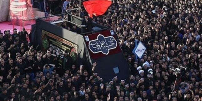 İranın Zencan kentinde Yomolabbas merasimi