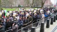 Londra'da ABD büyükelçiliği önünde Kudüs'e destek gösterisi