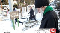 Mazlum ve Mustazafların Rehberi, İmam Humeyni ve İslam İnkılabı Şehitlerinin türbelerini Ziyaret Etti