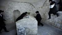 Siyonist yerleşimciler Hz. Yusuf mezarına saldırdı