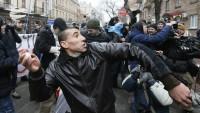 Ukraynalı radikaller Kiev'deki Rus Bilim ve Kültür Merkezi'ne saldırdı