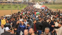 Büyük Dönüş yürüyüşünde 240 Filistin'li yaralandı