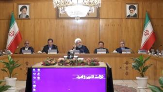 Ruhani açıkladı: Ağır su ve zenginleştirilmiş uranyum satışı durduruldu