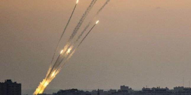 Gazze Direnişi İsrail'in Aşkelon ve Bharşeba Kentlerini Onlarca Füze İle Vurdu!