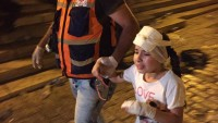 Yürek Yakan Fotoğraflar: Siyonist Güçler Çocuklarında Aralarında Olduğu Müslümanlara Saldırdı: İkisi Ağır 40 Yaralı