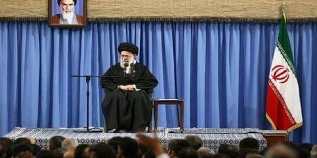 İmam Hamanei: Ehl-i Beyte Gerçek Hizmet Toplumu Yüceltir ve Sorunları Giderir