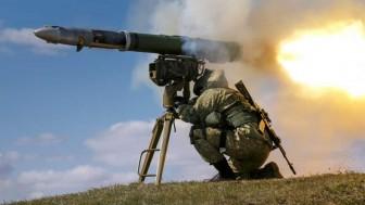 Gazze Direnişçileri Siyonist İsrail'in Askeri Zırhlı Aracını Kornet Tipi Güdümlü Füzeyle Vurdu