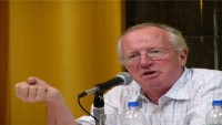 Robert Fisk: Peres, 'barış elçisi' değil kan dökücüydü