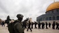 Siyonistler yine Mescidi Aksa'ya baskın düzenledi