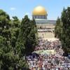 Onbinlerce Filistinli cuma namazını Mescidi Aksa'da kıldı