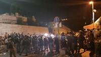 Aksa Kapılarında Nöbet Tutan Müslümanlara Saldıran İşgal Güçleri 78 Kişiyi Yaraladı