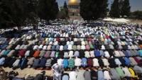 Filistinliler, Ramazan Ayının İlk Cuma Namazı İçin Mescid-i Aksa'ya Akın Etti