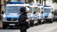 Almanya'da sığınmacı evlerine 921 saldırı